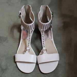 Michael Kors Sz 8 white leather studded sandals